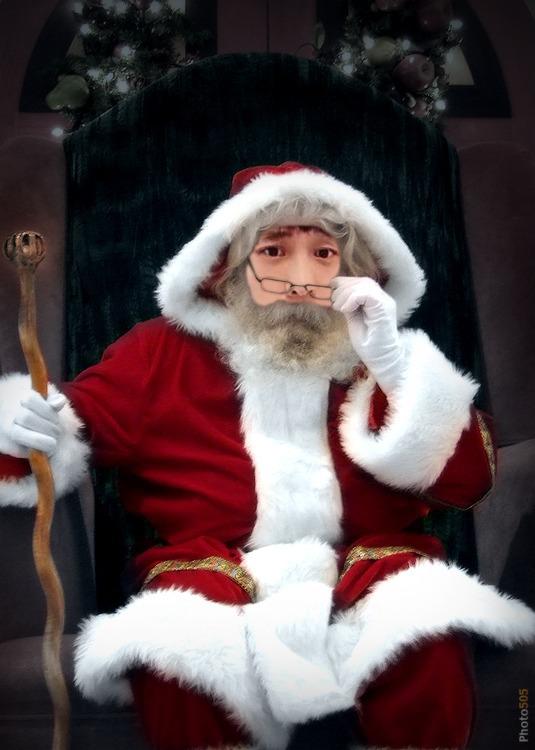 化身圣诞老人迎接圣诞